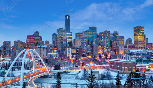 Foto auf Gartenposter Kanada Edmonton Downtown Skyline Just After Sunset in the Winter