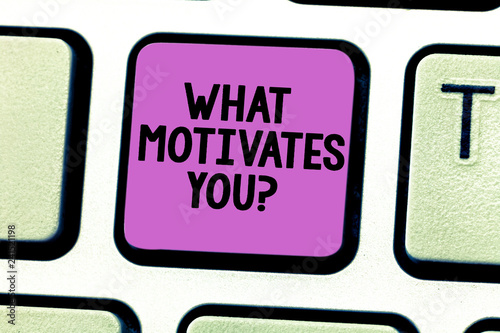 Fotografía  Writing note showing What Motivates Youquestion