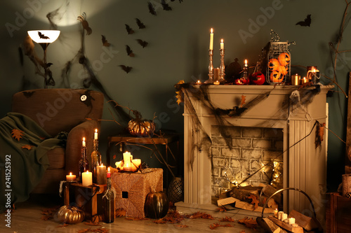 Foto Interior of room decorated for Halloween party