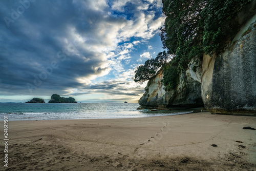 Foto op Canvas Cathedral Cove the cave of cathedral cove, coromandel, new zealand 1