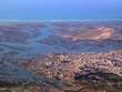 canvas print picture - Luftaufnahme beim Flug über Faro an der Algarve in Portugal