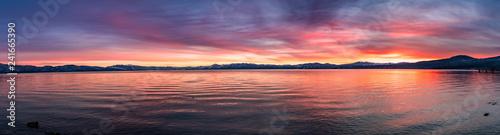 Foto auf AluDibond Koralle Beautiful sunset views of Lake Tahoe, California
