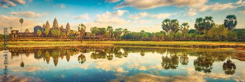 Foto  Angkor Wat temple at sunset. Siem Reap. Cambodia. Panorama