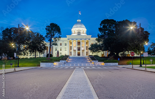 Photo Alabama State Capitol in Montgomery at Night