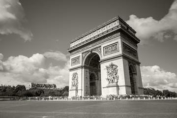 Fototapeta na wymiar Arc de Triomphe on the Champs Elysees in Paris