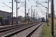 Tren transportando viajeros. Ferrocarril.