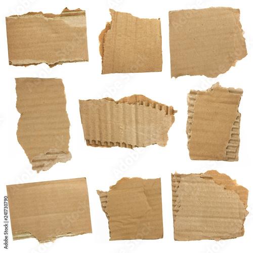Morceaux de carton ondulé déchirés Fototapete