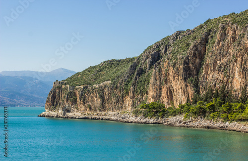 Fotografía  Mountain rock cape on sea lagoon tropic Mediterranean scenic landscape