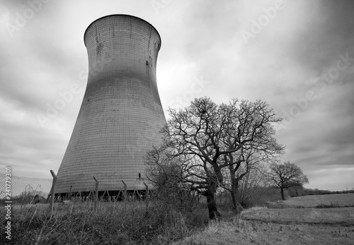 Photo The obsolete cooling towers at Willington power station, Derbyshire, UK