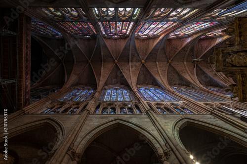 Fotografía  Detalle de los techos de la catedral de León y sus vidrieras