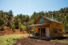 Small Cabin Retreat In Souther...