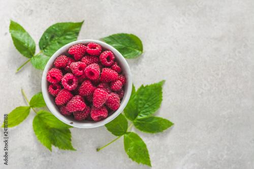 Obraz na płótnie Fresh raspberry fruit, red raspberries, top view