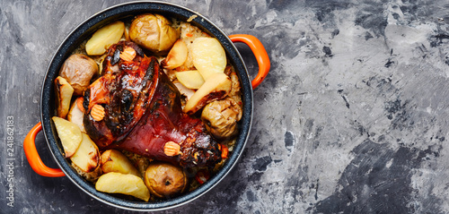 Roasted pork knuckle with spices