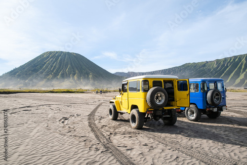 Foto auf AluDibond Himmelblau Jeep service for sight seeing around Bromo mountain tour
