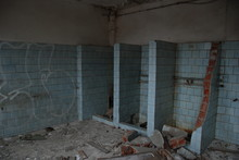Urbex, Broken Showers In Scary Abandoned Bathroom