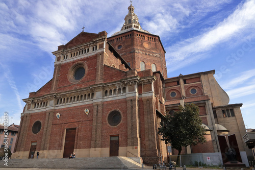 Slika na platnu DUOMO DI PAVIA IN ITALIA IN EUROPA, PAVIA CATHEDRAL IN ITALY IN EUROPE