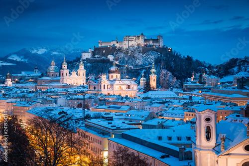Tuinposter Centraal Europa Historic city of Salzburg during winter twilight, Austria