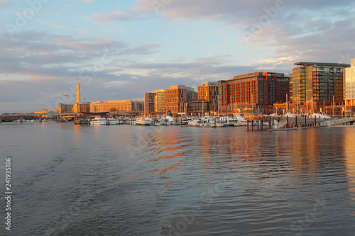 Boats and buildings at the DC Southwest Waterfront Canvas-taulu