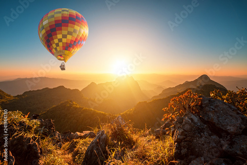 Tuinposter Ballon Sunset at doi luang chiang dao with hot air balloon in chiang mai province thailand