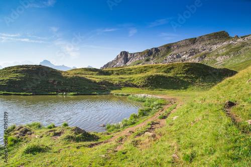 Fototapeta premium Jezioro Peyre