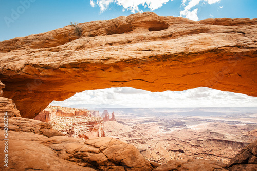 Fotobehang Centraal-Amerika Landen Mesa Arch at sunrise, Canyonlands National Park, Utah, USA