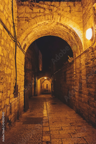 Fototapeten Schmale Gasse Ancient streets and buildings in the old city of Jerusalem