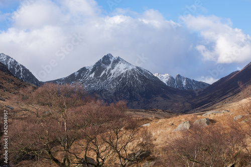 Photo Goatfell Mountain on Isle of Arran Covered in Snow