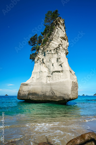 sandstone monolith,cathedral cove,coromandel peninsula,new zealand 2
