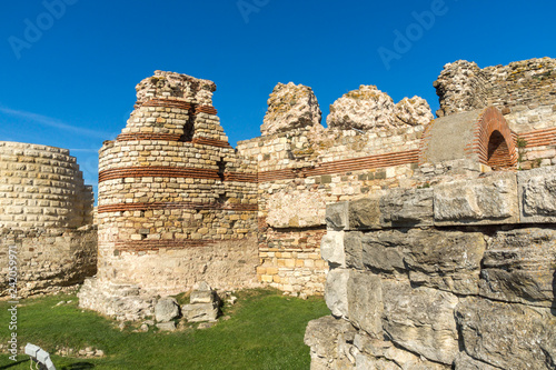 Fotografia  Ancient ruins of Fortifications at the entrance of old town of Nessebar, Burgas