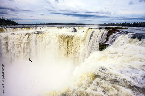 Zdjęcie XXL Egzotyczne wodospady na rzece Parana