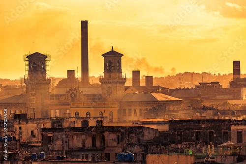 Fotografía  Blick auf Altstadt von Havanna Kuba bei Sonnenuntergang