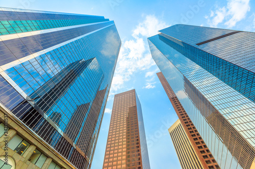 architecture-background-sky-blue-glass-high-rise-reflective-facade-glass-of-a-high-rise-buildings-los-angeles-downtown-california-united-states-sunny-day-in-blue-sky