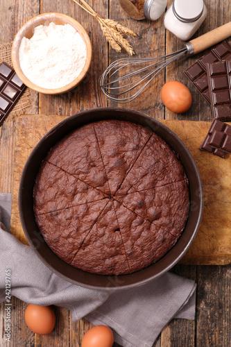 Photo  chocolate pie on wood background