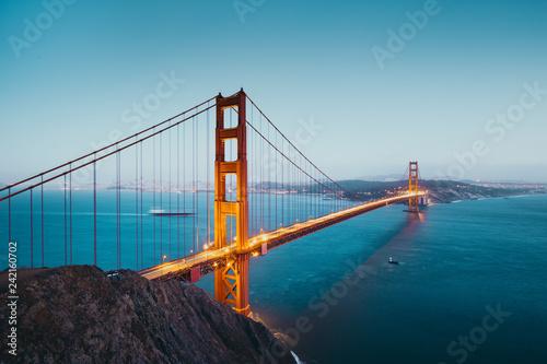 Foto op Canvas Amerikaanse Plekken Golden Gate Bridge at twilight, San Francisco, California, USA