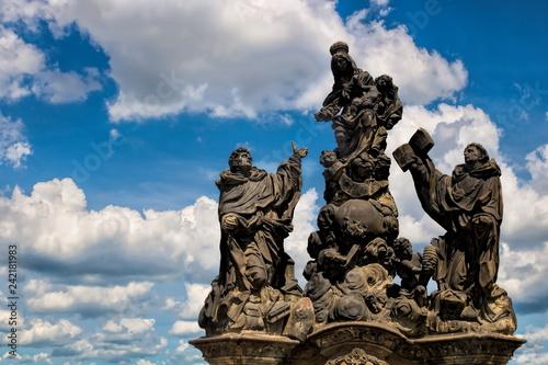 Photo Karlsbrücke, Madonna Dominikus und Thomas von Aquino