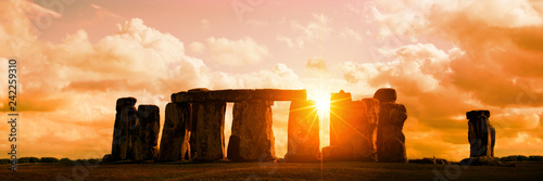 Keuken foto achterwand Europese Plekken Panorama of Stonehenge at sunset, United Kingdom