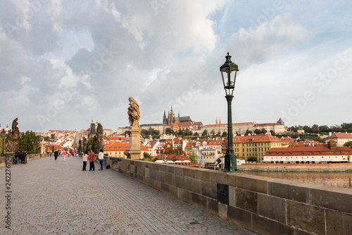 Foto  A fairy tale view from the Charles Bridge of the historical buildings in Prague,