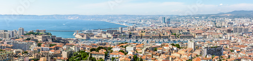 Foto auf AluDibond Wien Panoramic view over the Old Port, the historic center of Le Panier, the Great Seaport of Marseille, the coastline and the north districts in the distance.