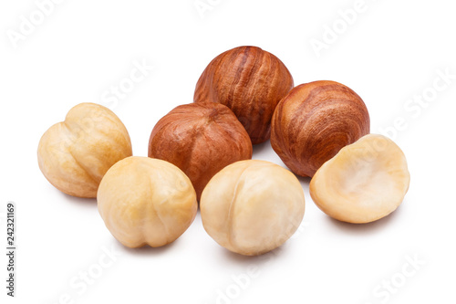 Pinturas sobre lienzo  Hazelnuts, isolated on white background