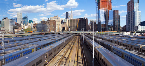 Photo Panoramic view of Hudson Yards train station with the Midtown Manhattan skyline