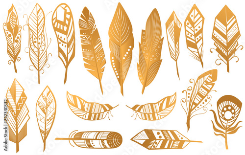 Photo sur Aluminium Style Boho Golden Luxury Tribal Feathers set. Gold boho ethnic collection isolated.