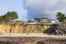 Houses On Top Of Eroded Cliffs On The Pacific Ocean Coastline, Moss Beach, Fitzgerald Marine Reserve, California