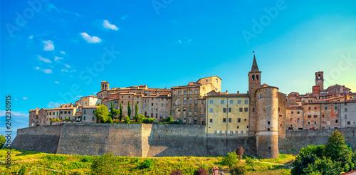 Photo Anghiari medieval village city walls. Arezzo, Tuscany Italy