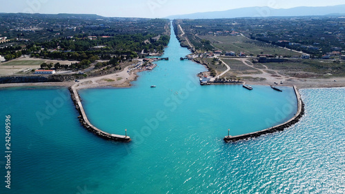 Foto Aerial bird's eye view photo taken by drone of Corinth Canal entrance of Isthmos