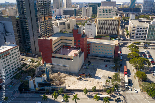 Spoed Foto op Canvas Centraal-Amerika Landen Aerial Miami destruction of the Greater Bethel AME Church