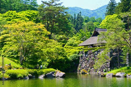 Fotografia  日本の伝統的景観。初夏の日本庭園。鹿沼 栃木 日本。6月初旬。
