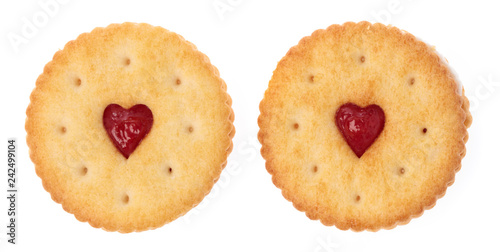 Fotomural  round biscuit cookies or crackers with heart with strawberry cream isolated on w