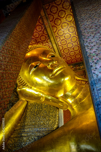 Staande foto Asia land Reclining Buddha in Wat Pho, Bangkok, Thailand