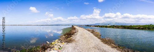 Fotografia, Obraz Panoramic view of the bay trail and the wetlands near Sunnyvale, San Francisco b