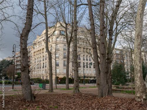 Fotografie, Obraz  immeuble chic Boulevard du Commandant Charcot à Neuilly-sur-Seine en France